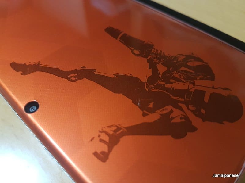 Samus looking fine on the cover of her special edition Nintendo 3DS