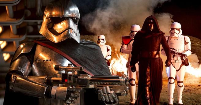 star-wars-captain-phasma-kylo-ren-stormtroopers